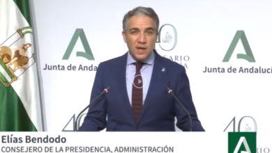 Photo of La Junta de Andalucía pone en marcha el primer ensayo clínico con plasma de pacientes curados de COVID19