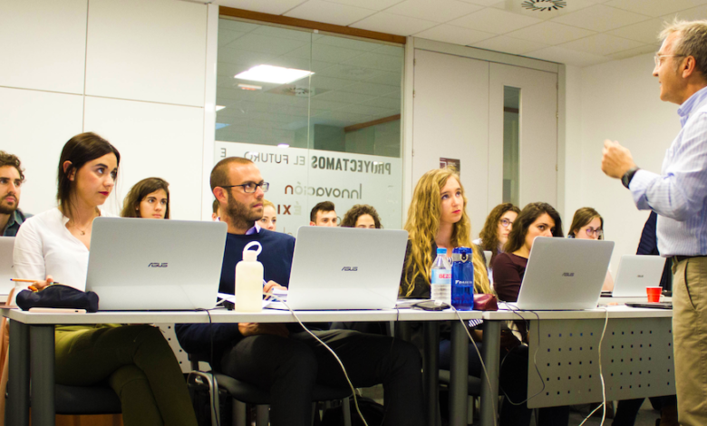 Photo of «Tenemos más ofertas de trabajo que alumnos desarrollando el máster»